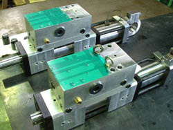 Special oil pressure cylinder and hydraulic equipment